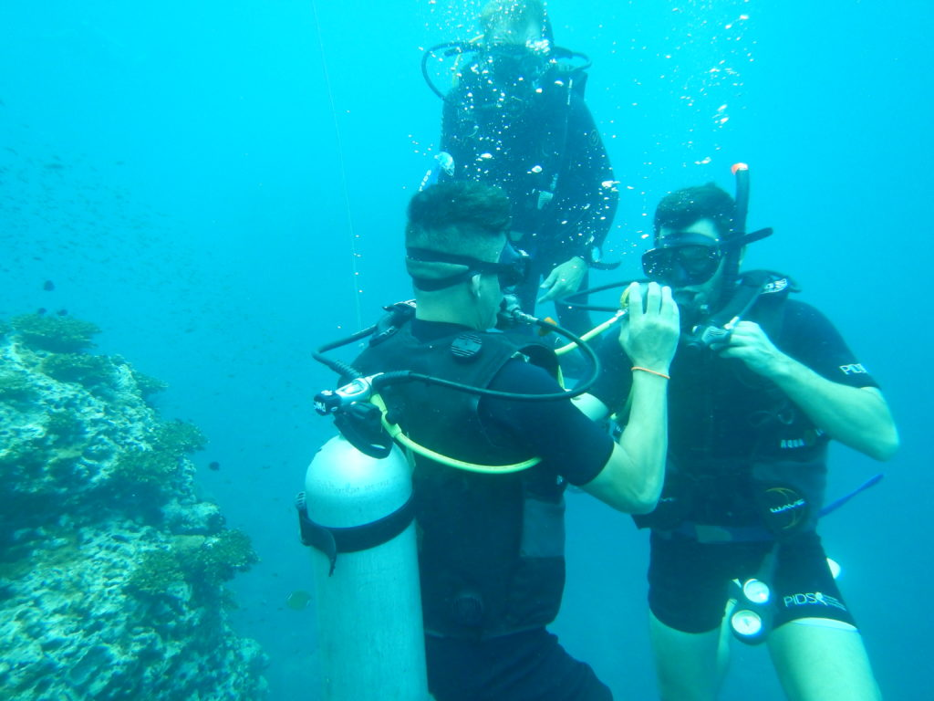 scuba diving lessons in thailand
