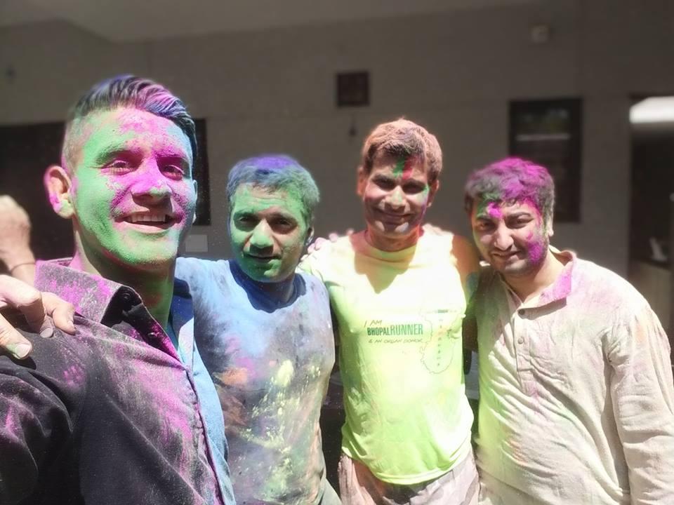 holi festival friends