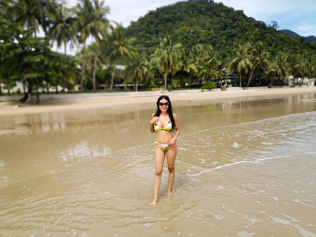 kru janie yoga white sand beach koh chang