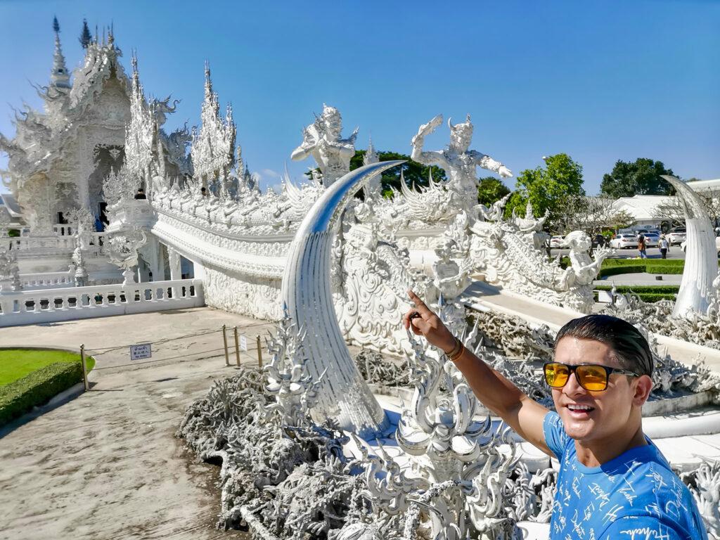 Wat Rong Kuhn Chiang Rainomadicnava