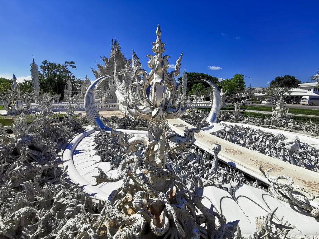 white temple Chiang Rainomadicnava 1